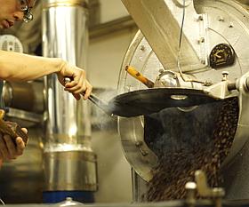 特許取得の製法でワンランク上の味わいをお届けするコーヒーバッグキャラバンブレンドは使用する豆にもとことんこだわりました。